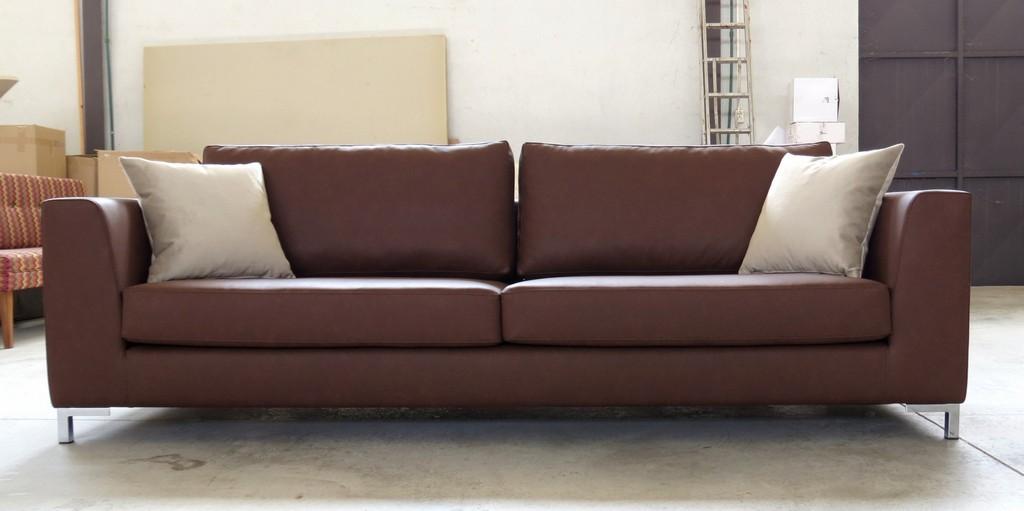 25 Meter Sofa Tsiklioti in proportions 2048 X 1022