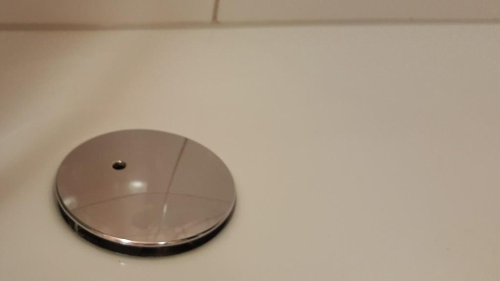 Abfluss In Der Dusche Stinkt Oder Ist Verstopft Abfluss Ffnen Und intended for size 1280 X 720