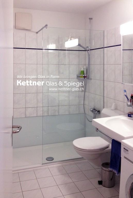 Badewanne Weicht Der Dusche Mit Seitlicher Glasabdeckung Nach throughout sizing 1940 X 2887