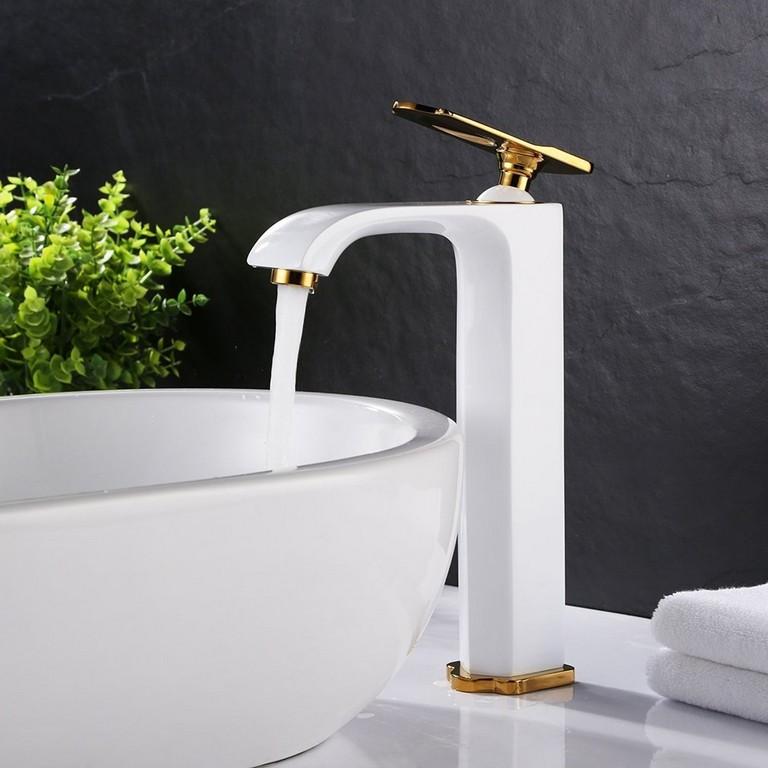 Badezimmer Inspiration Attraktiv Bonade Hohe Wasserhahn Weis regarding size 1010 X 1010