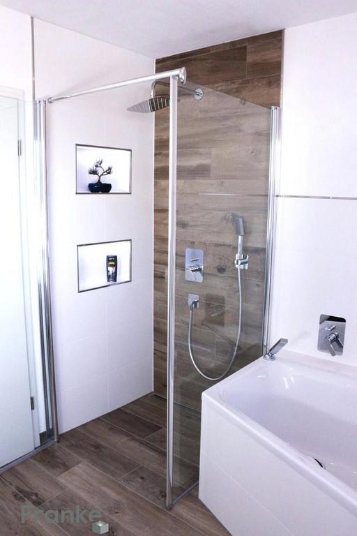 Badezimmer Mit Dusche Steinwand Bad A Einrichten Und Wc Badewanne intended for sizing 736 X 1104
