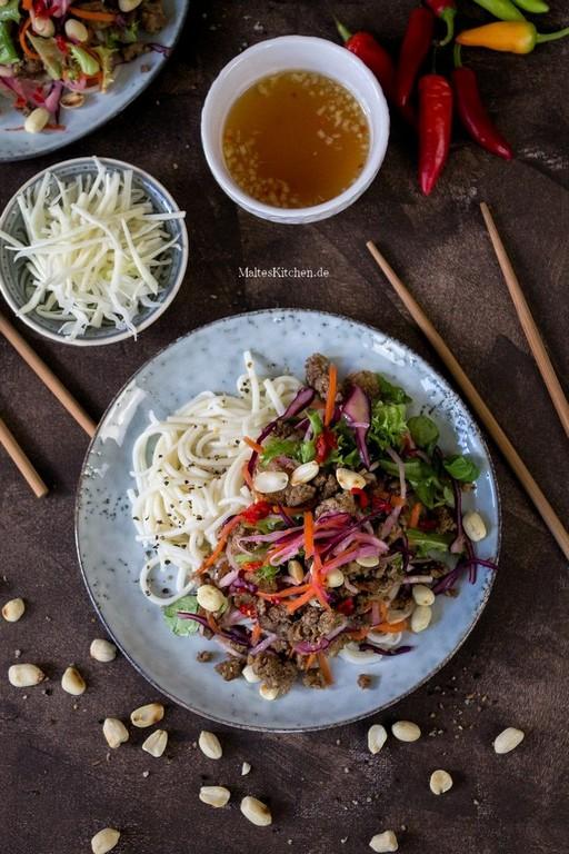 Bun Bo Nam Bo Hackfleisch Mit Nudeln Salat Nssen Rezept intended for proportions 800 X 1200