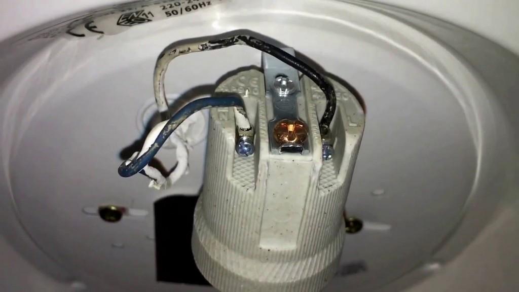 Deckenlampe Montieren Lampe Anbringen Verkabelung Anschlieen with regard to dimensions 1280 X 720