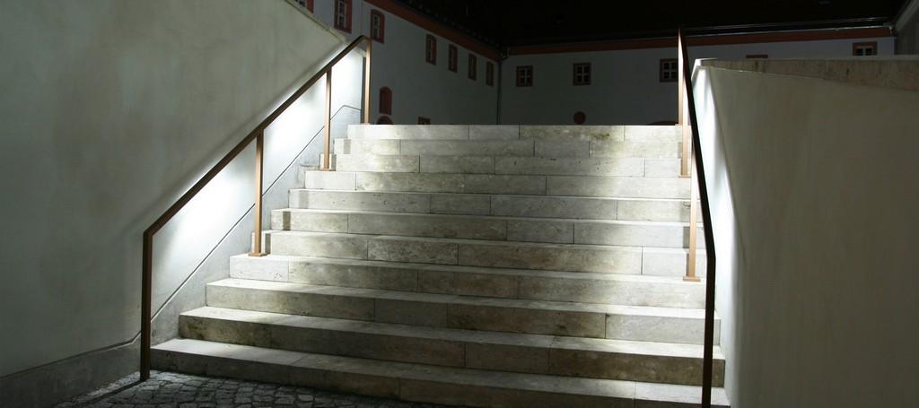 Der Led Handlauf Beleuchtete Treppengelnder Handlufe Dresden intended for dimensions 1920 X 854