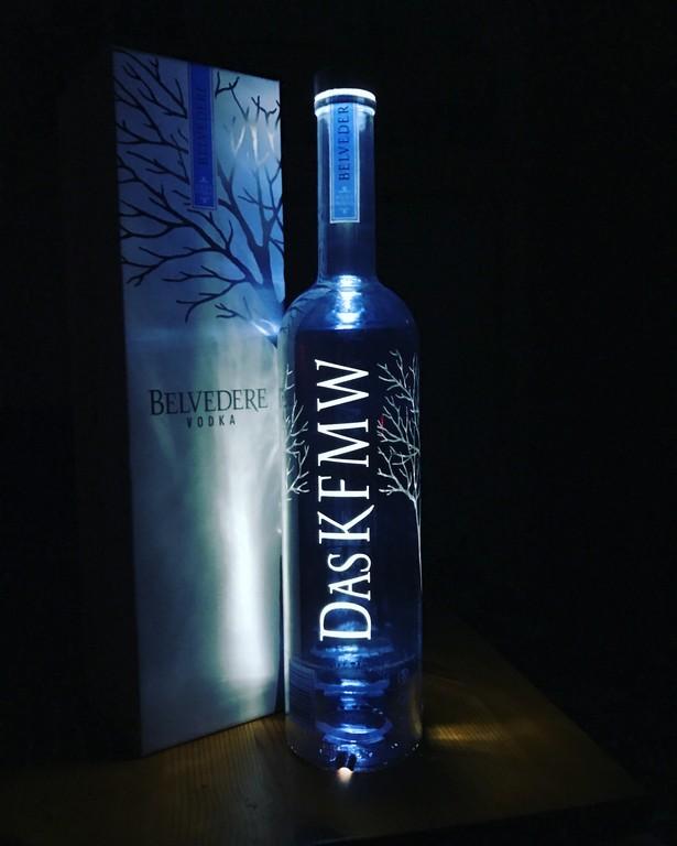 Eine Flasche Die Deinen Namen Trgt Und Im Dunkeln Leuchtet inside size 3024 X 3779