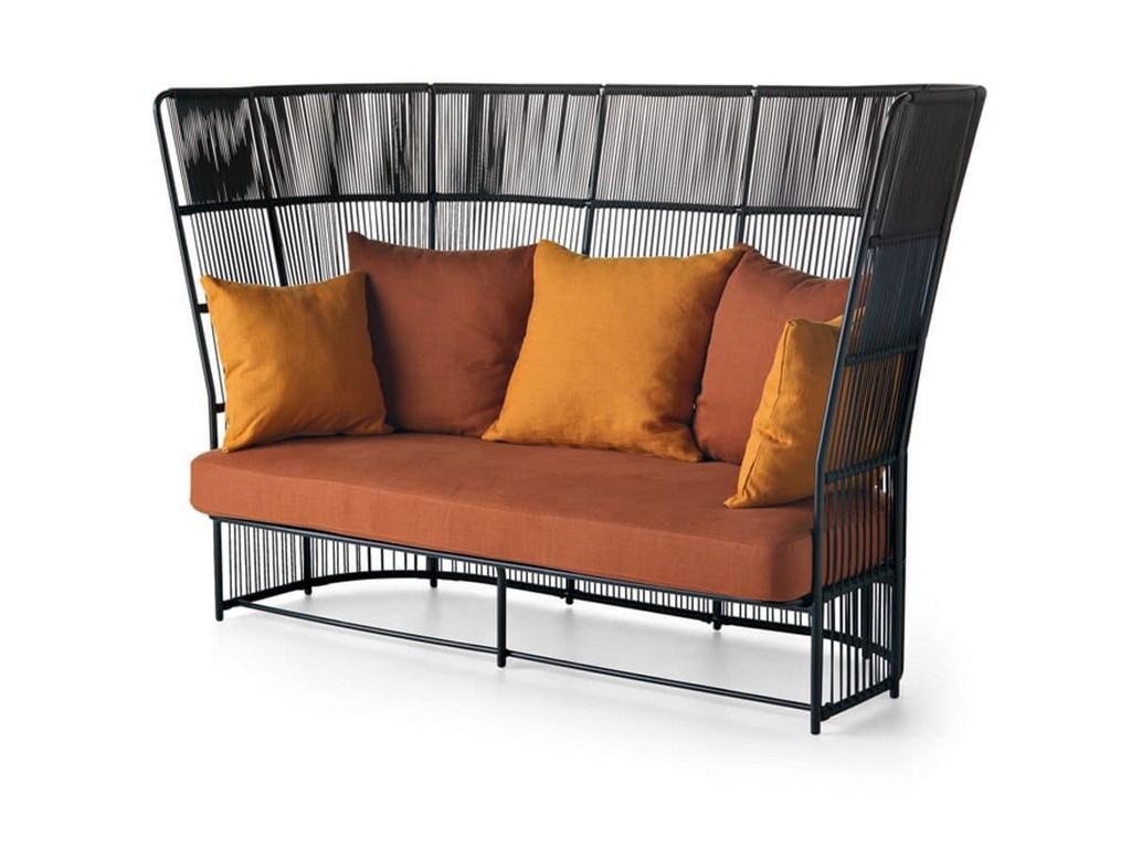 Elegante Outdoor Sofa Mit Eingewebten Hoher Rckenlehne Idfdesign inside dimensions 1200 X 900