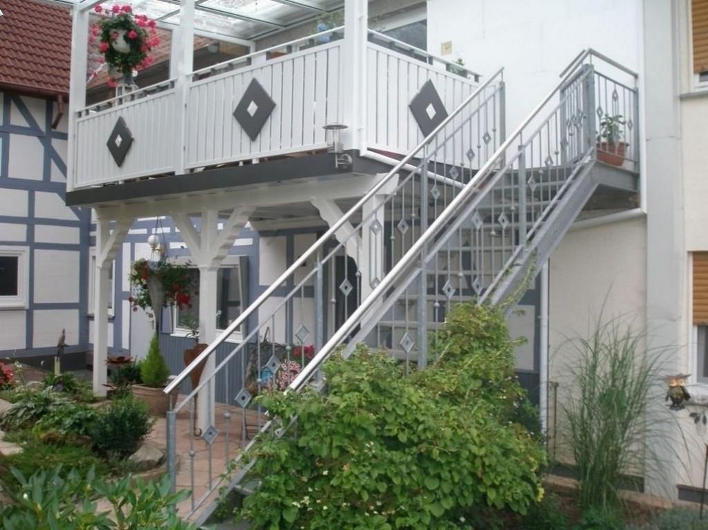Erstaunlich Treppe In Den Garten Balkon Mit Treppe In Den Garten for proportions 1030 X 771