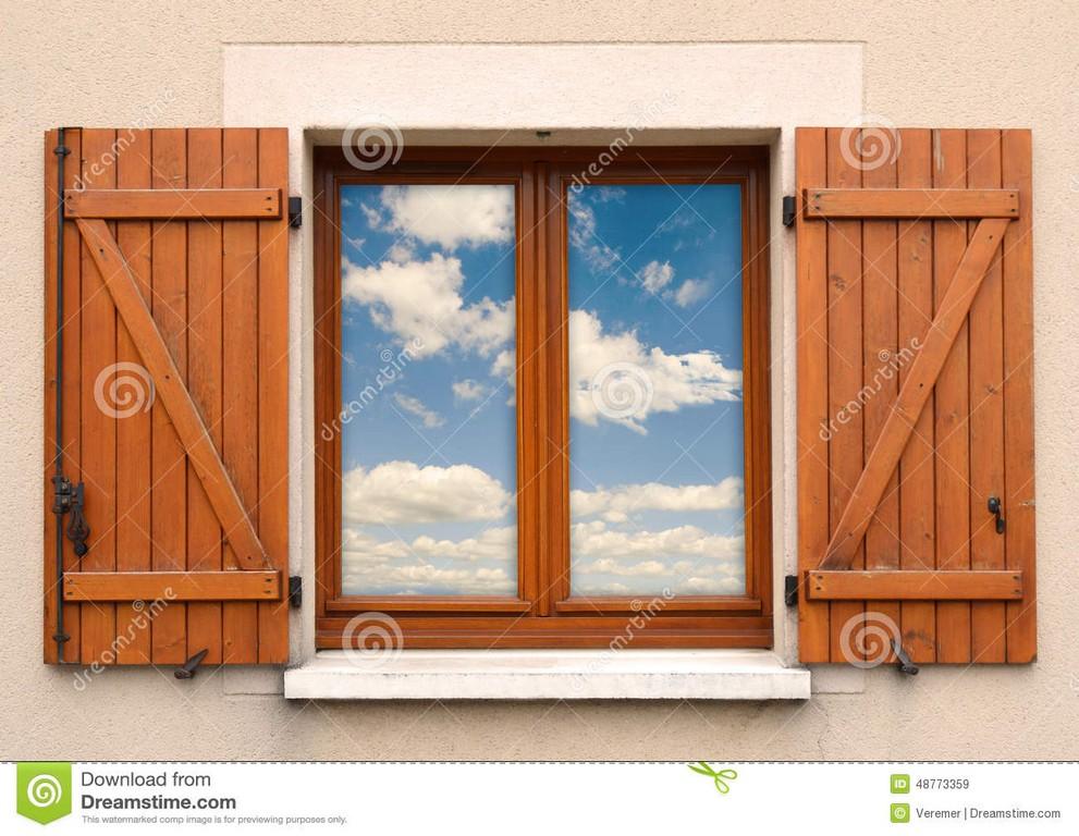 Fenster Und Fensterlden Und Himmel Stockbild Bild Von regarding measurements 1300 X 1007