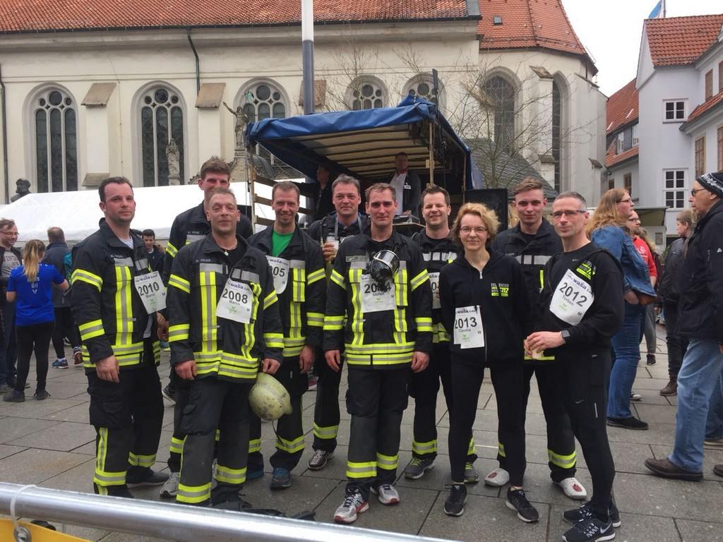 Feuerwehr Hambhren Beim Wasa Lauf 5 Kilometer In Voller Montur with size 1280 X 960