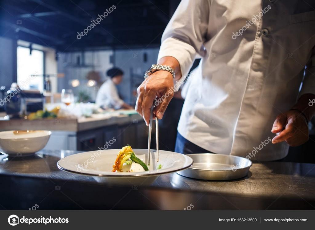 Food Konzept Traditionelle Italienische Kche Vorbereiten Koch In throughout measurements 1600 X 1167