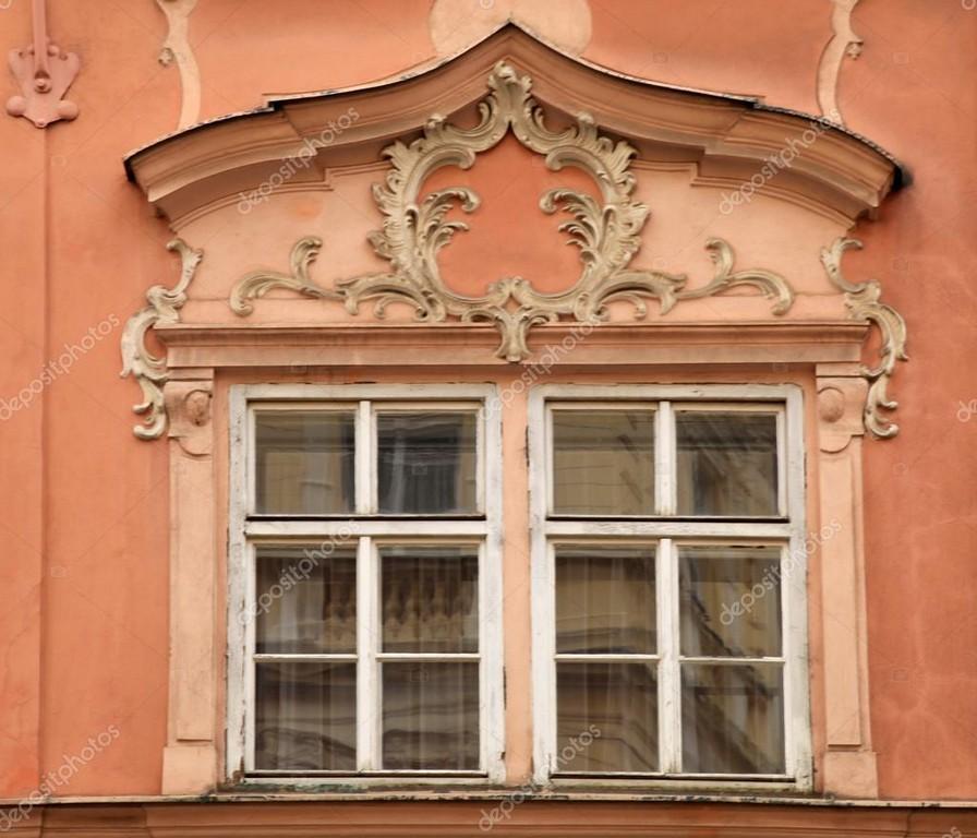 Gebude Mit Blumenschmuck Und Fenster Prag Tschechische Republik with proportions 1023 X 877