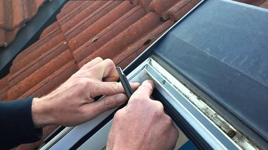 Glas Scheiben Auflage Dichtung Bei Braas Kunststoff Dachfenster inside sizing 1280 X 720