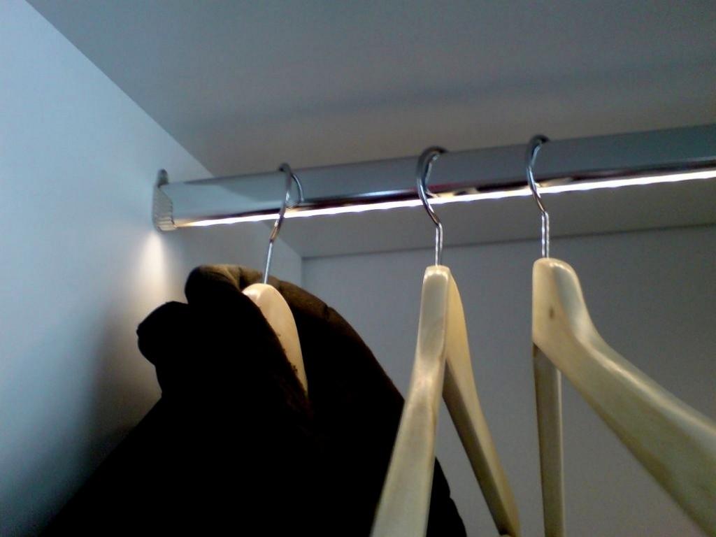 Gro Kleiderstange Mit Led Beleuchtung 10356 Haus Planen Galerie with regard to measurements 1031 X 773
