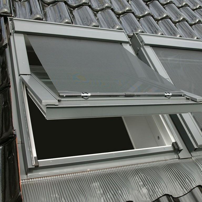 Hitzeschutz Markisen Fr Velux Dachfenster Sonnenschutz Rollos regarding measurements 1000 X 1000