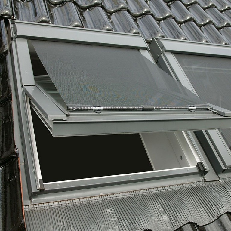 Hitzeschutz Markisen Fr Velux Dachfenster Sonnenschutz Rollos regarding sizing 1000 X 1000