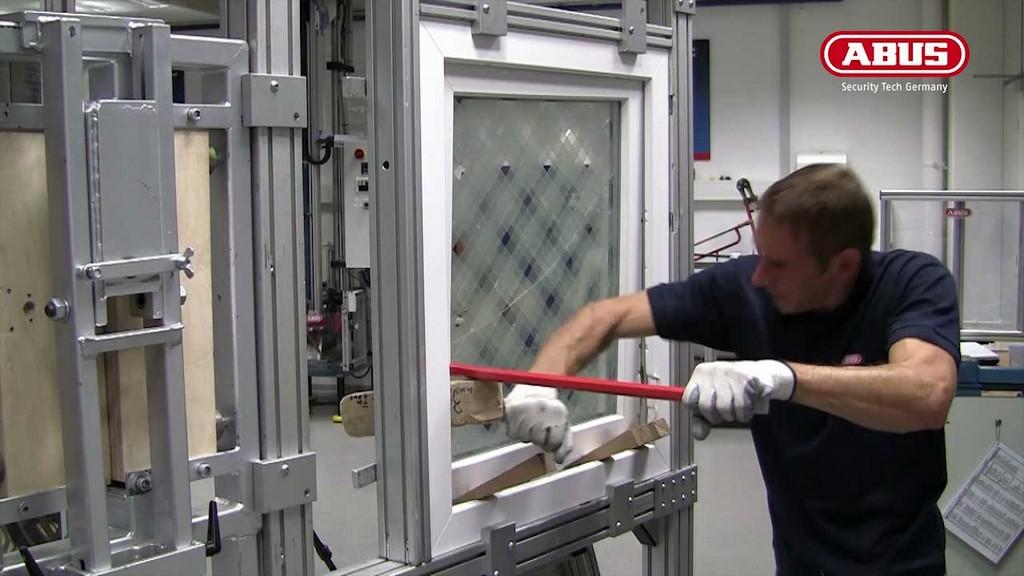 Im Vergleich Ein Fensteraufbruch Versuch Bei Einem inside size 1280 X 720
