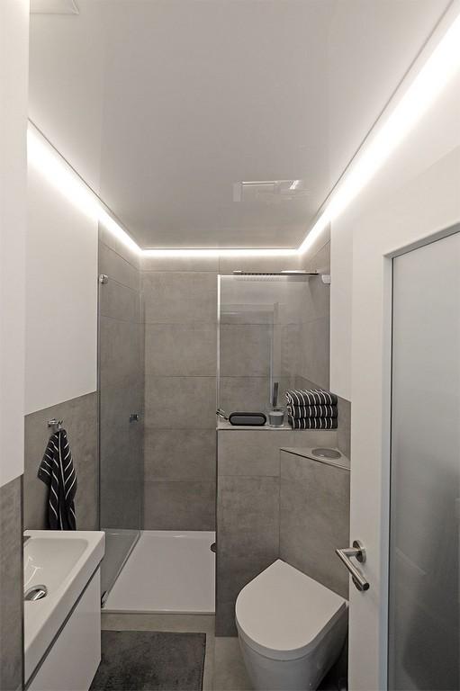 Indirekte Beleuchtung Im Badezimmer Plameco Decke Mit Led Stripes regarding dimensions 953 X 1433