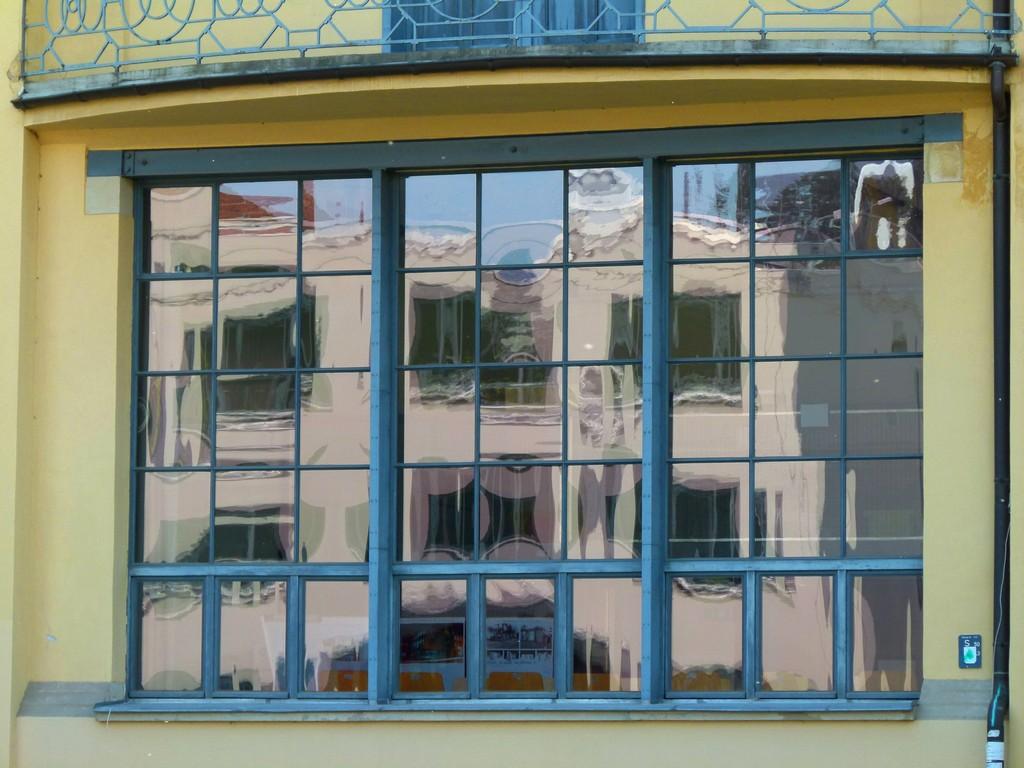 Kostenlose Foto Die Architektur Glas Gebude Mauer Betrachtung regarding size 4320 X 3240