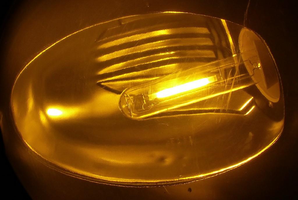 Lampe Au Sodium Haute Pression France Photo Vincent Laganier within dimensions 1200 X 809