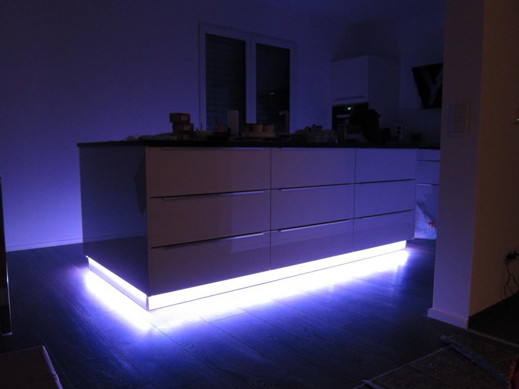 Led Beleuchtung Fr Kche Fur Kuche Leiste Flachenlicht pertaining to dimensions 1024 X 768