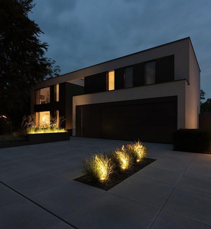 Moderne Architektur Einfahrt Mit Metten Betonsteinplatten Von throughout sizing 923 X 1000