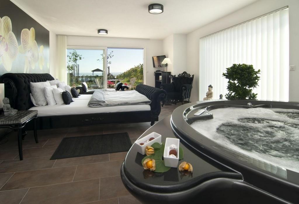 Perfekt Badewanne Hotel Mit Groer Badewanne F2f Badezimmer Design regarding measurements 1200 X 819