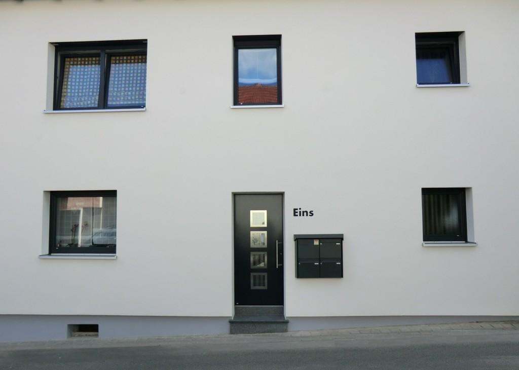 Renovierung Mehrfamilienhaus Fenster Und Tren Retzbach with dimensions 1936 X 1380