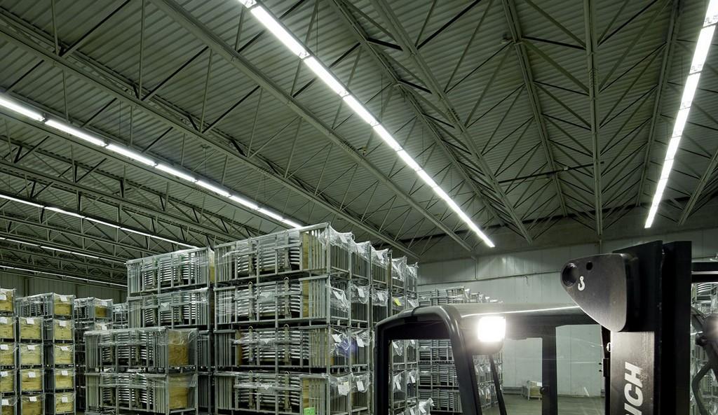 Sanierung Einer Logistikhalle Gebr Taskin Logistics Gmbh Trilux intended for dimensions 1180 X 683
