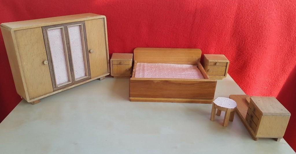 Schlafzimmer 40er Jahre Mbel Puppenstube Bett Kleiderschrank within proportions 1553 X 810