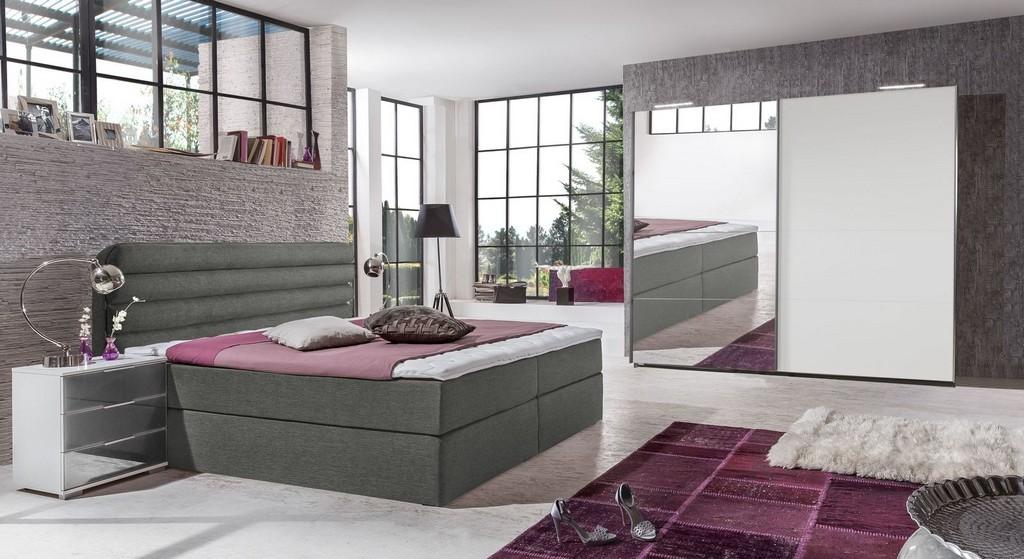 Schlafzimmer Komplett Einrichten Und Gestalten Bei Bettende inside proportions 1600 X 874