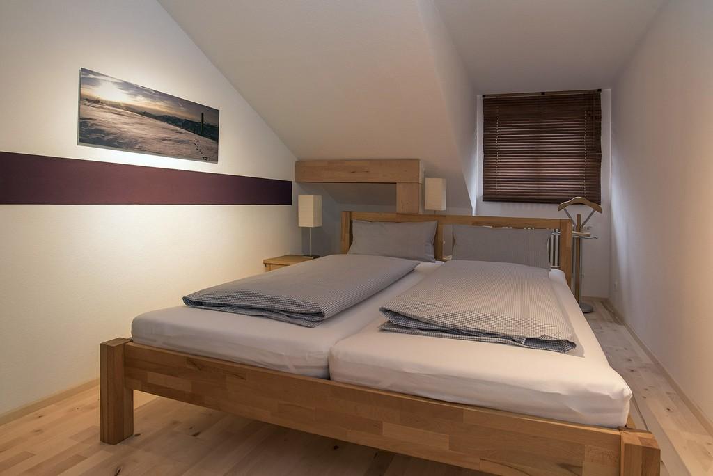 Schlafzimmer regarding dimensions 2000 X 1335