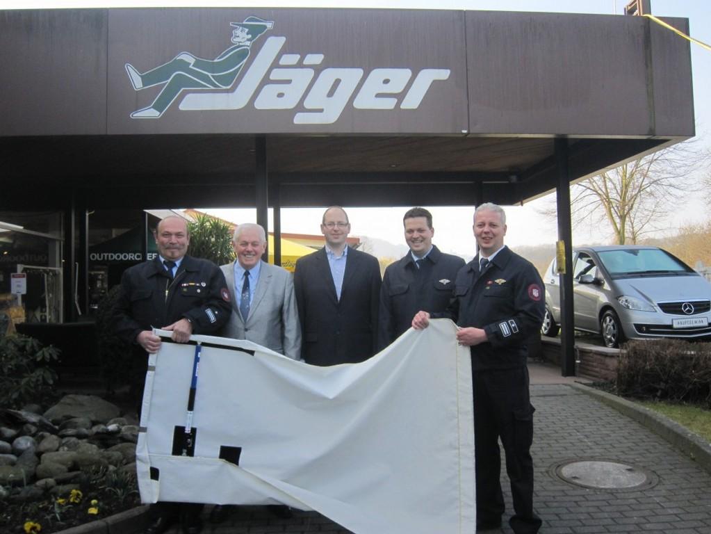 Smokestopper Spende Von Mbel Jger Birkenau An Die Feuerwehr in measurements 1030 X 773