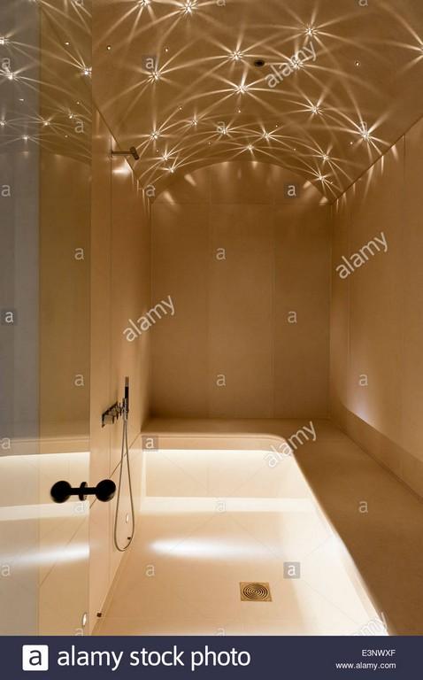 Sternenhimmel Beleuchtung An Gewlbte Decke Des Begehbaren Dampfbad with regard to sizing 865 X 1390