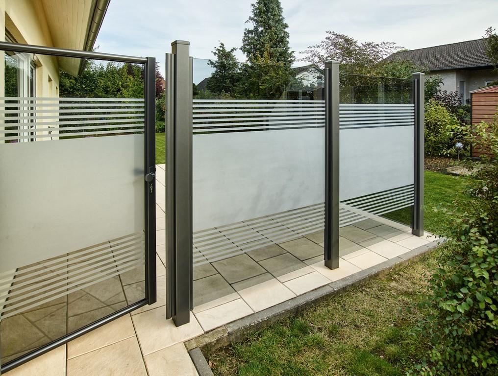 Teiltransparente Glaslsung Als Wind Und Sichtschutz Windschutz inside proportions 3840 X 2902
