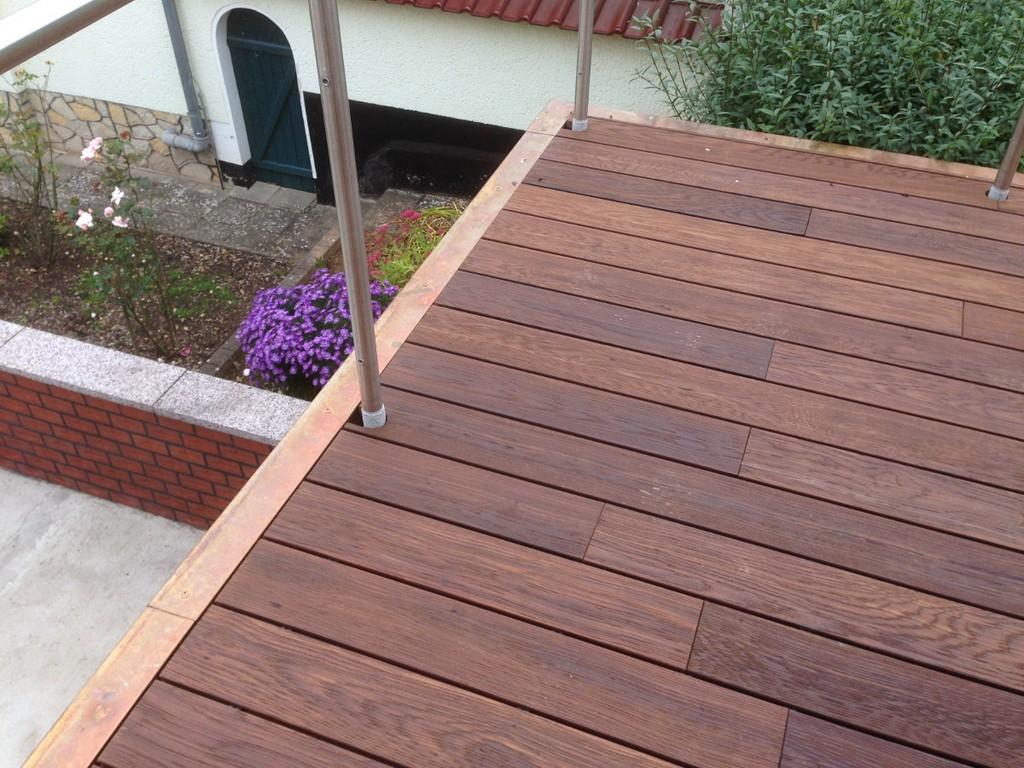 Thermo Esche Terrassendielen Und Edle Holzverkleidung Eine with proportions 1200 X 900