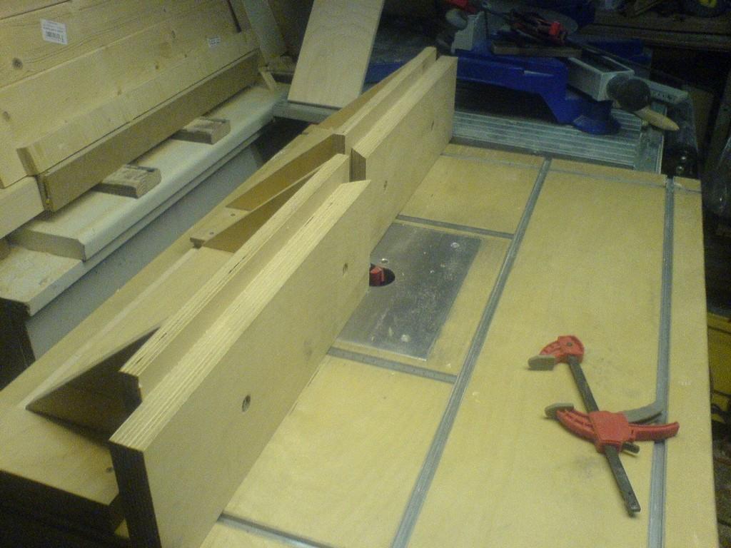 Tisch Fr Die Oberfrse Bauanleitung Zum Selber Bauen Holz pertaining to dimensions 1632 X 1224