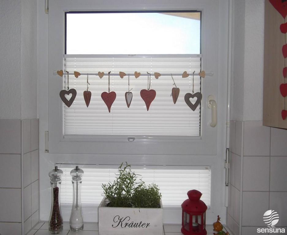 Tolle Fensterdeko Am Kchenfenster Und Dazu Passende Plissees Vom intended for measurements 1000 X 820