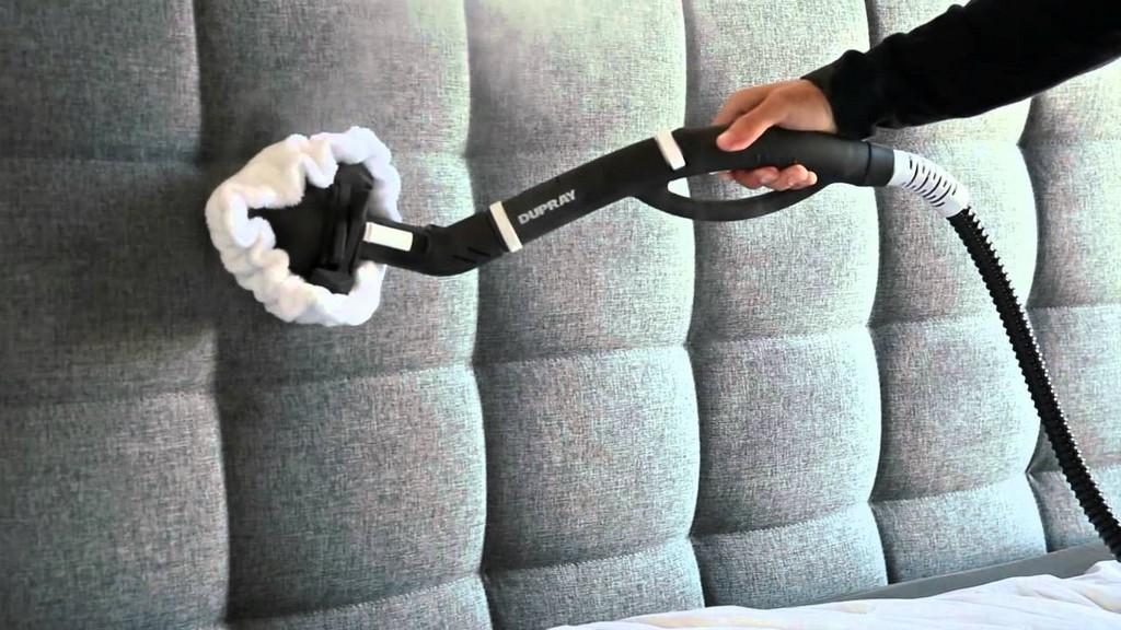 Verwendung Eines Dampfreinigers Zur Reinigung Von Polstermbeln Und regarding measurements 1280 X 720