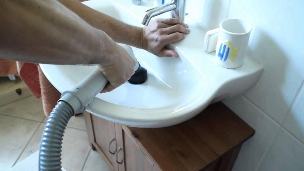 Waschbecken Verstopft Der Delphin Hilft Schnell Und Einfach Beim intended for size 1920 X 1080
