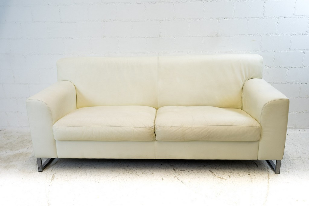 Altes Sofa Entsorgen Awesome Altes Sofa Entsorgen With Altes Sofa intended for sizing 2000 X 1333