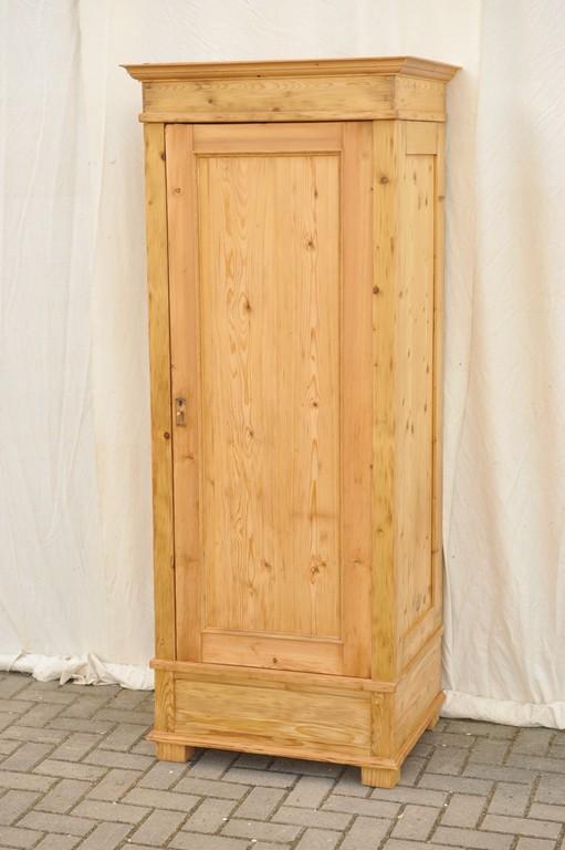 Antiker Zerlegbarer Kleiderschrank Nur 785 Cm Breit Antik Im Hof with regard to dimensions 1105 X 1660