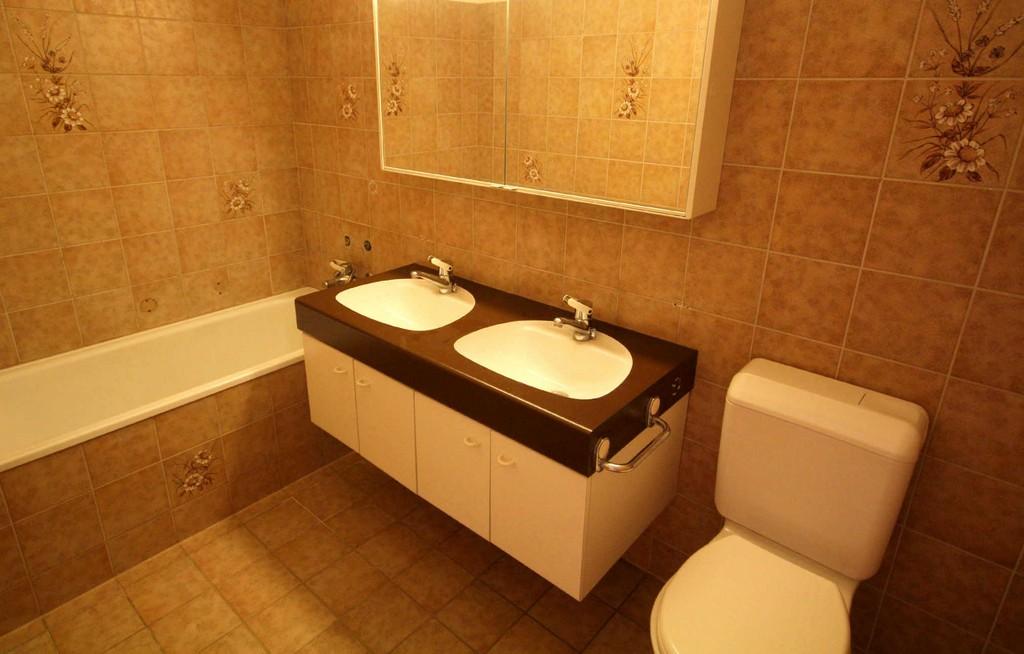 Badezimmer Renovieren Bringt Neuen Glanz In Ihr Zuhause intended for dimensions 2023 X 1292