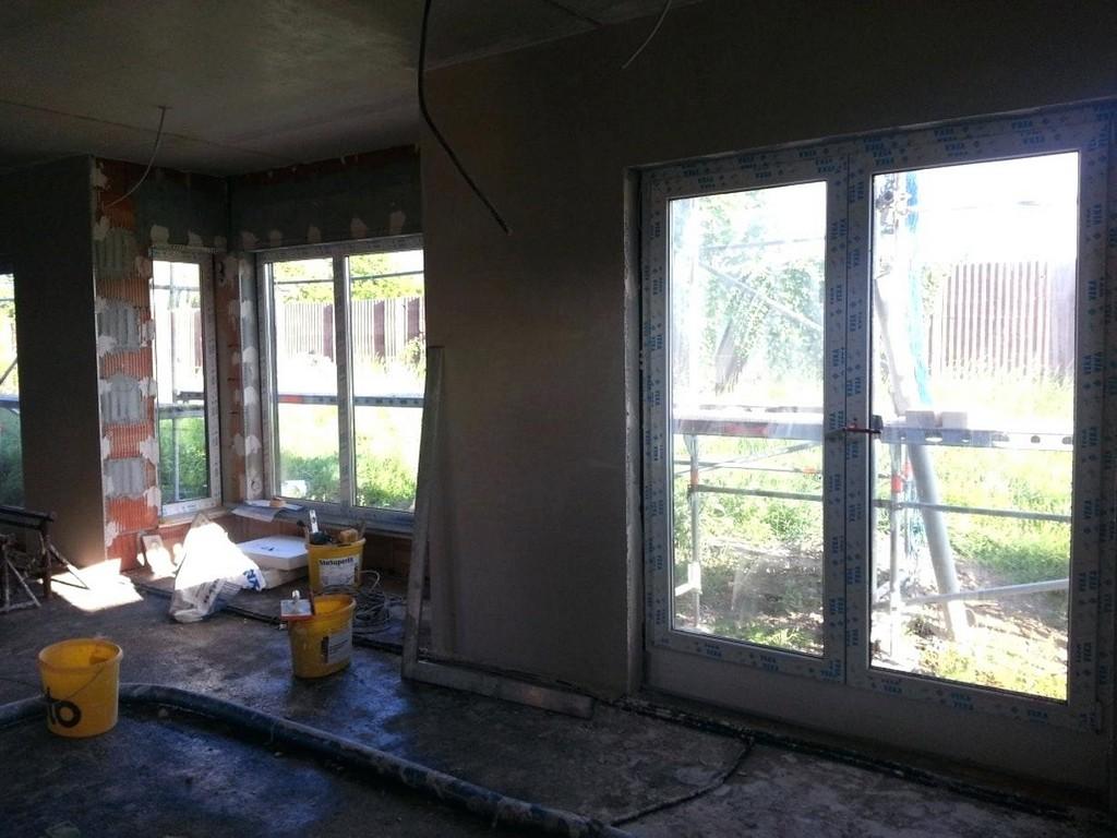 Bodentiefe Fenster Man Kann Auch Ohne Gardinen Gestalten Gelander inside sizing 1230 X 922