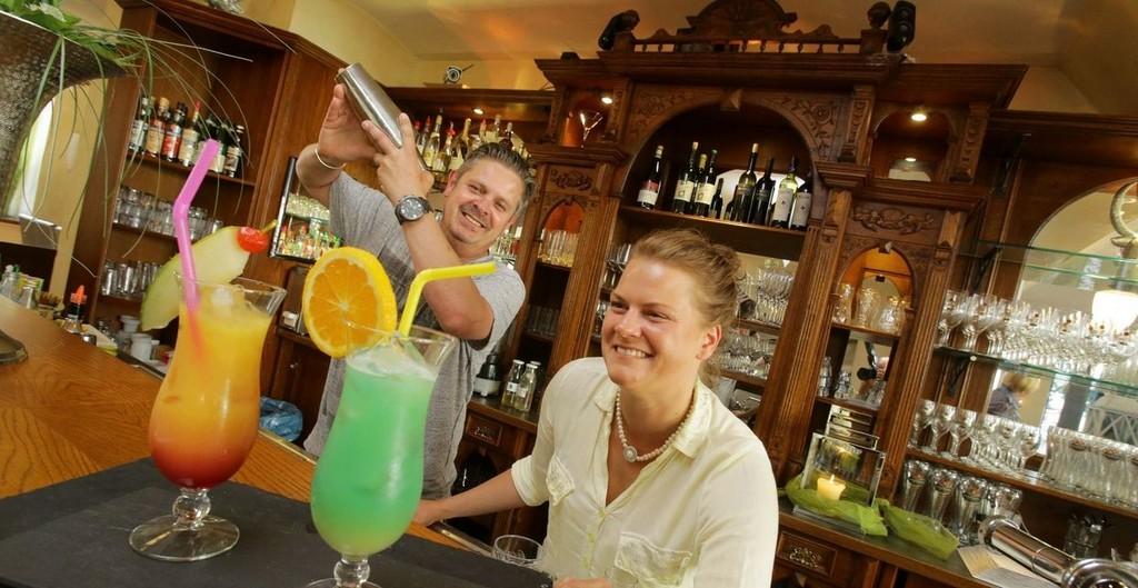 Cocktail Trifft Regionale Leckerbissen Syker Kurier Aktuelle inside sizing 1240 X 640