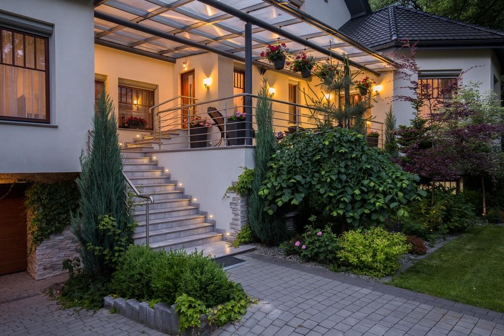 Erhhte Terrassen Das Sind Die Vorteile Und Mehrwerte inside proportions 5760 X 3840