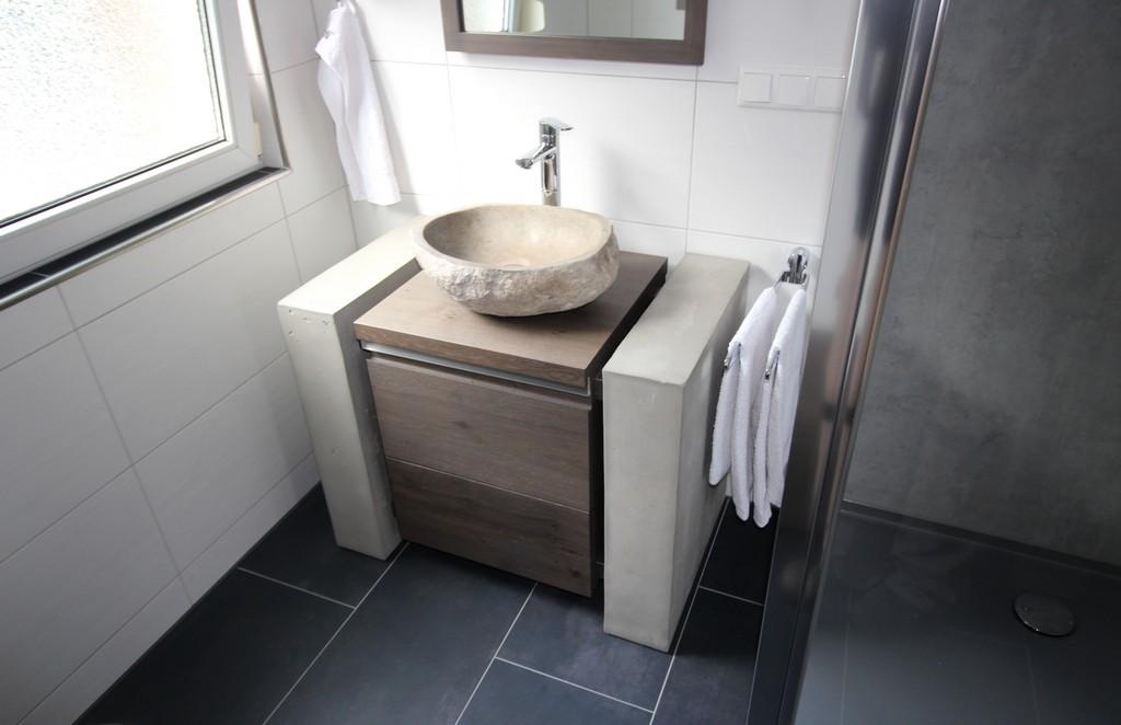 Fabelhaft Badmbel Mit Aufgesetztem Waschbecken Und Beste Ideen Von within sizing 5184 X 3350