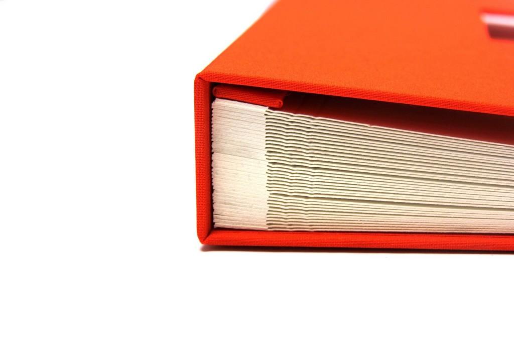 Fotoalbum In Orange Mit Fenster Und Schleife 245 X 245 Cm inside proportions 1620 X 1080