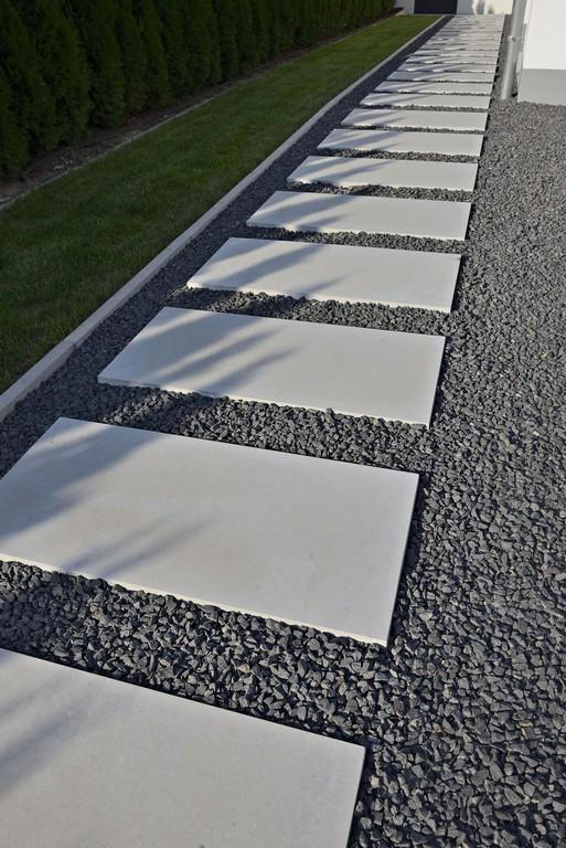 Gartenweg Mit Steinplatten Aus Laenglichen Dunkelgrauen inside measurements 2003 X 3000