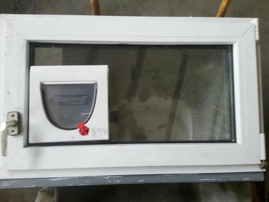 Gebraucht Gebrauchtes Fenster Mit Katzenklappe In 4483 Firsching Um for sizing 1536 X 1152