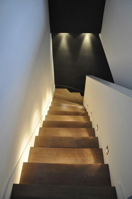 Holzstufen Mit Indirekter Beleuchtung Und Wandeinbauleuchten Home within dimensions 750 X 1129